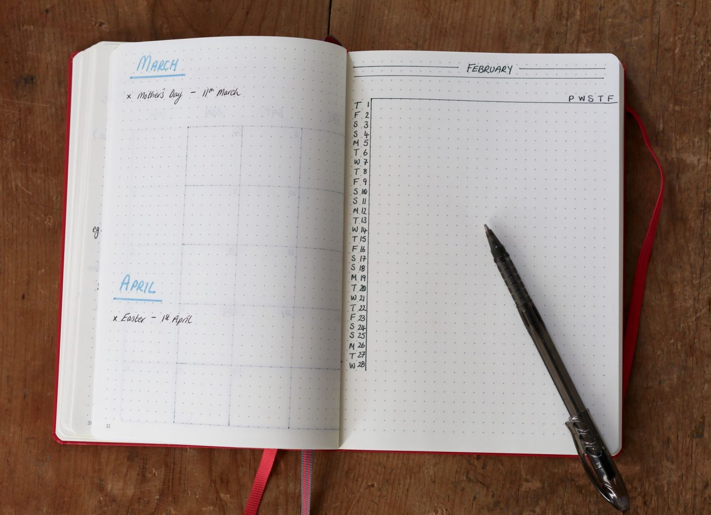 Bullet journal blogger content calendar