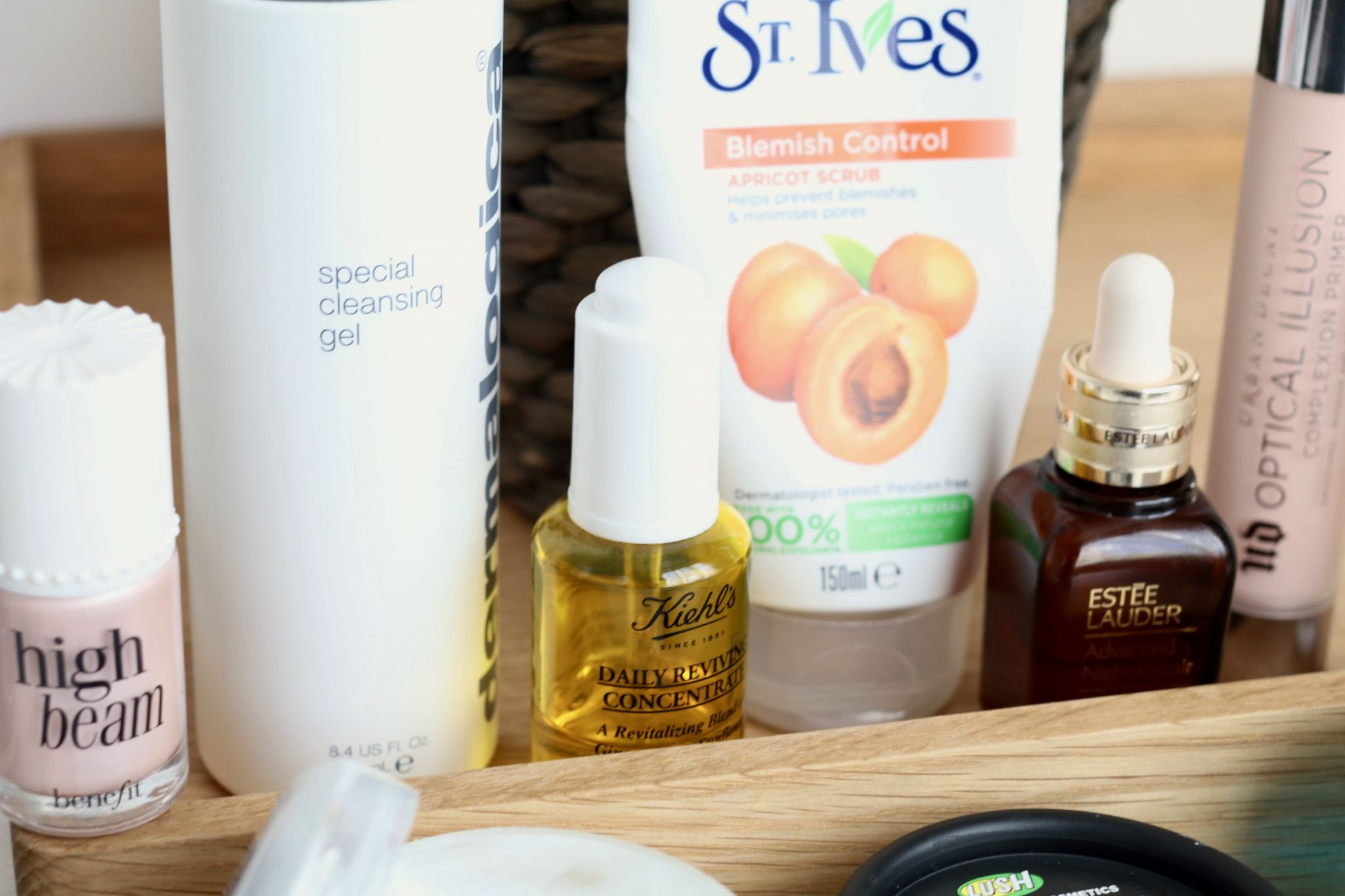 Mistakes to avoid if you have oily skin - Benefit high beam, St Ives, Estee Lauder, Urban Decay primer, Kiehl's Daily Reviving Concentrate, Dermalogica